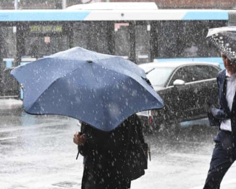 Gale force winds hit region