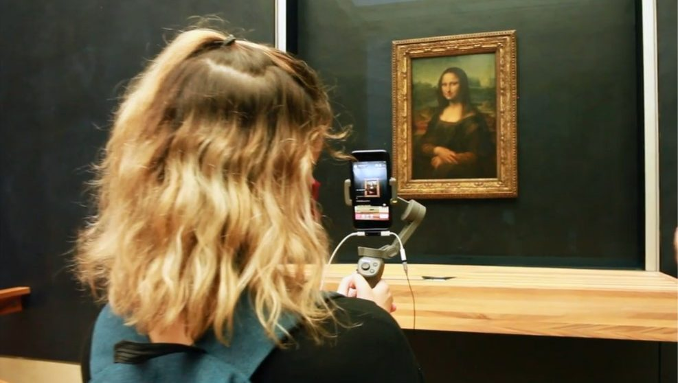Livestreaming at the Louvre Museum,